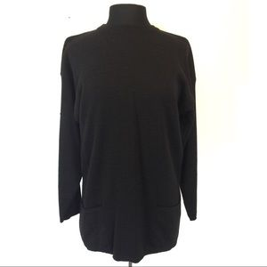 Quadro Women's Black Crewneck Tunic Sweater